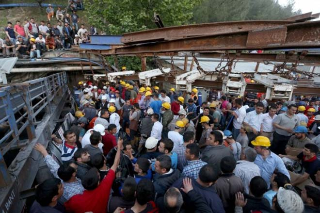 Photo: Turkey initiates criminal case upon fact of deaths in mine explosion / Other News