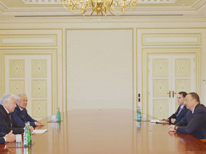 Photo: Azerbaijani president receives delegation led by chairman of Mazhilis of Kazakh Parliament / Politics