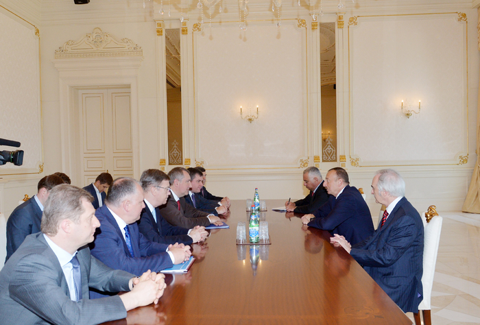 Photo: Azerbaijani president receives Russian deputy prime minister