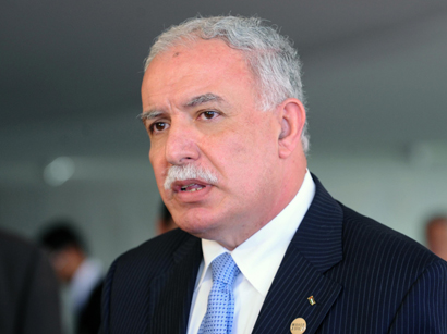 Photo: Palestinian FM says Israel overreacting on missing teens