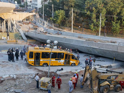 Photo: Overpass collapses in World Cup city