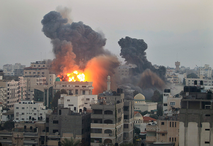 Photo: Palestinian death toll tops 300, says Gaza official