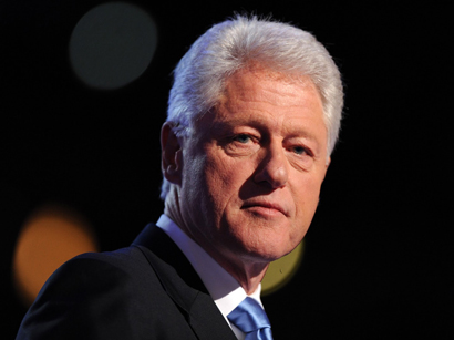 Photo: Bill Clinton warns Israel on 'isolating itself from world opinion'