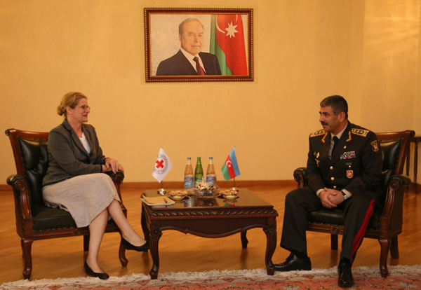 Photo: Azerbaijani defense minister receives ICRC office head  / Politics