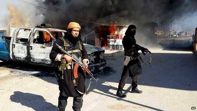 Photo: ISIS captures Iraqi town and nearby oil field  / Arab World