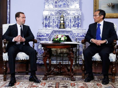 Photo: Russian and Kyrgyz PMs discuss cooperation / Kyrgyzstan