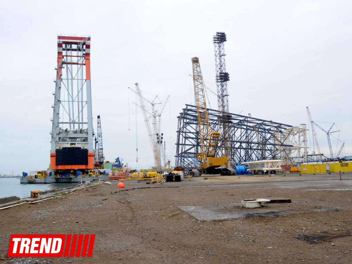 Photo: SOCAR conducts Caspian Sea platform overhaul / Oil&Gas