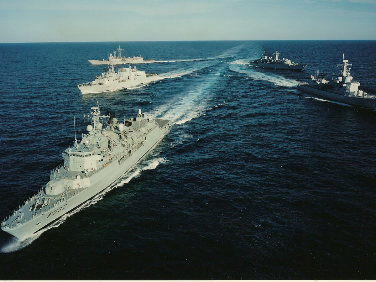 Photo: Four NATO warships to enter the Black Sea before September 7 / Other News