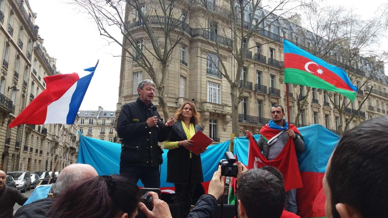 Parisdə erməni yaramazlığı