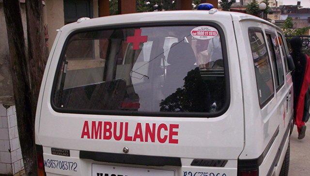 В Индии не менее 10 человек погибли при обрушении завода