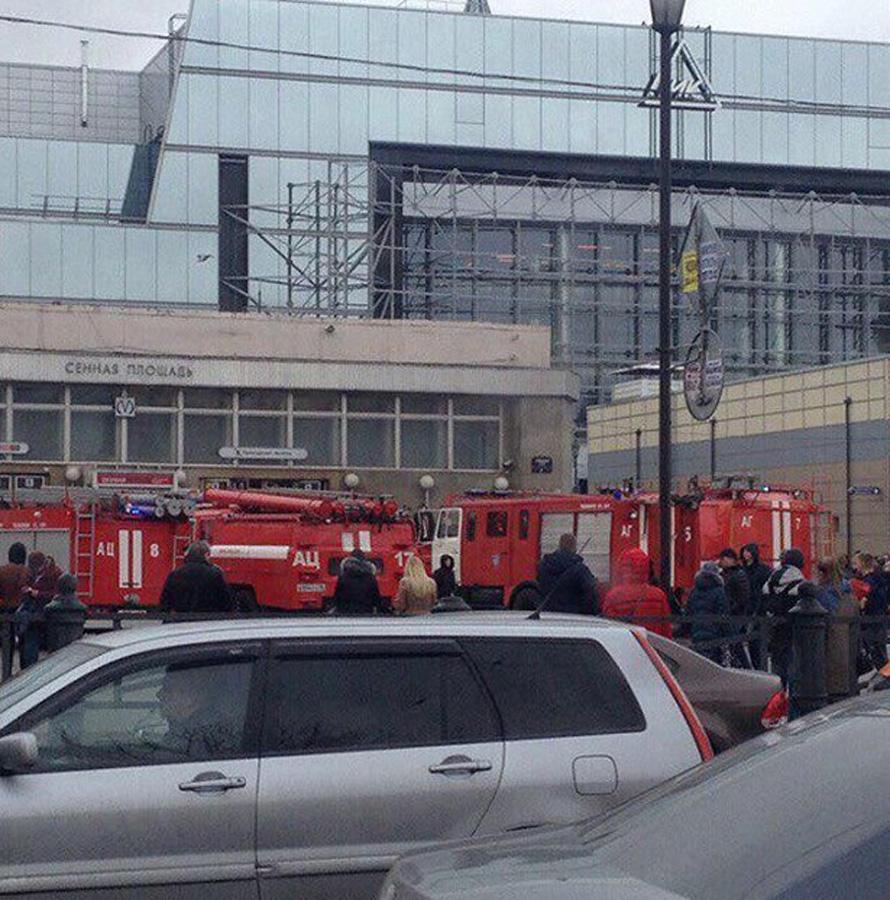 Peterburq metrosundakı partlayışda həlak olanların yaxınlarına 2 milyon rub ...