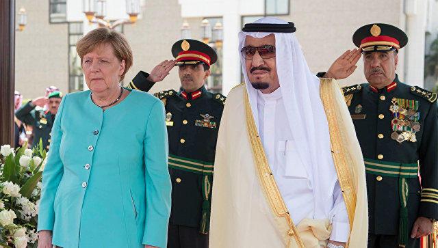 Меркель посещает Саудовскую Аравию для подписания военных договоров