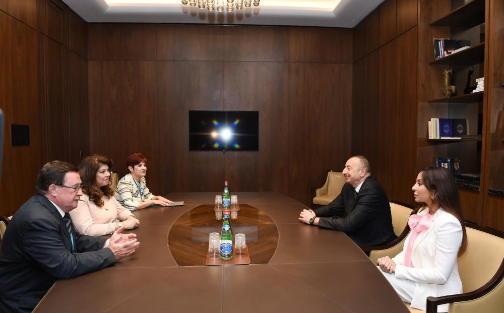 President Ilham Aliyev and first lady Mehriban Aliyeva meet with vice president of Bulgaria (PHOTO)