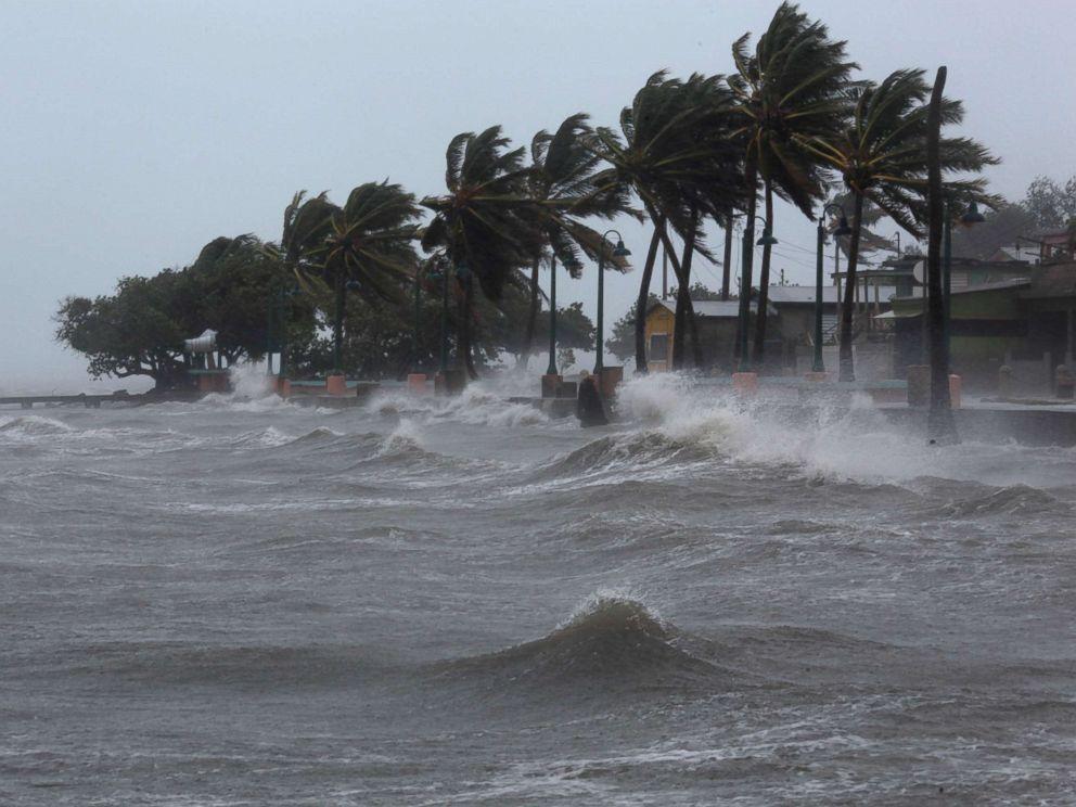 """Ураган """"Мария"""" затронул более 80% жителей Доминики, считают в ООН"""