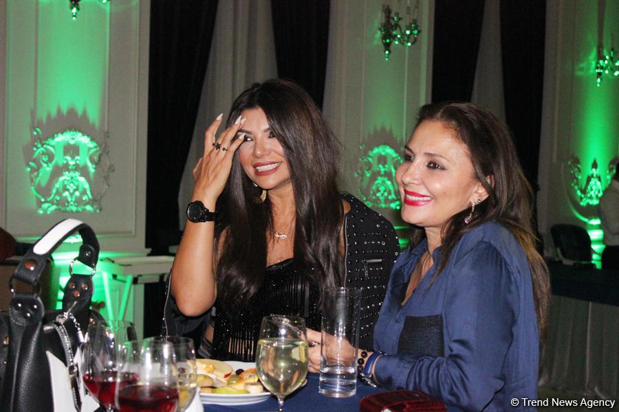 Тунзаля Агаева отпраздновала день рождение в виде мини-концерта