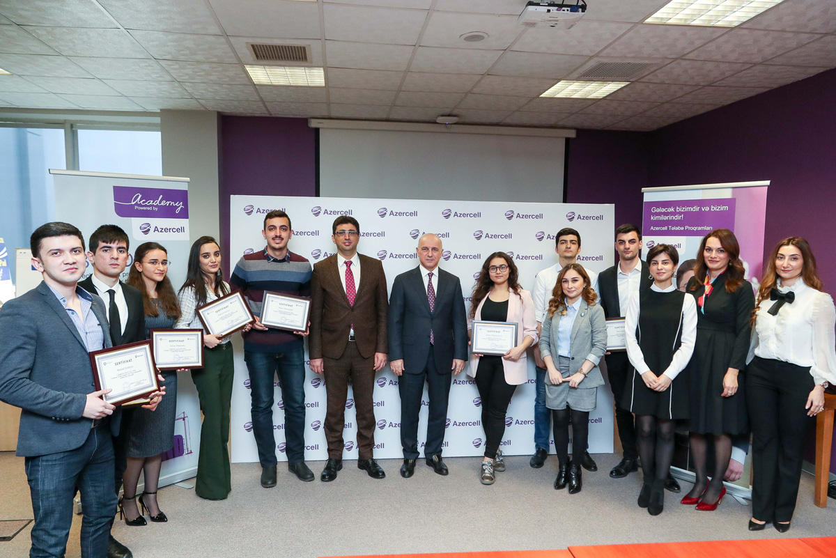Azercell grants 25 more students with stipend (FOTO)