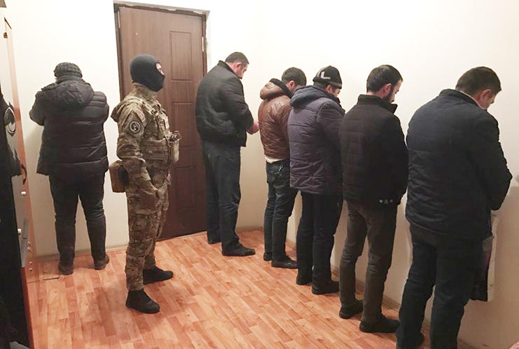 Azerbaijan exposes big network engaged in currency smuggling (PHOTO)
