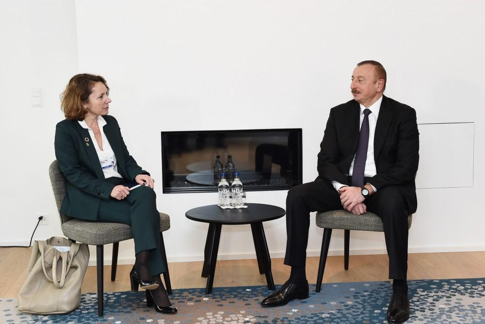 Ilham Aliyev meets with Deputy CEO of SUEZ GROUP in Davos (PHOTO)
