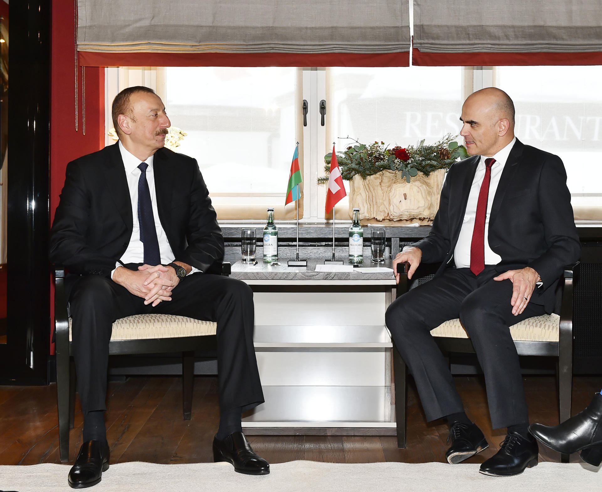 President Aliyev meets with Swiss president in Davos (PHOTO)
