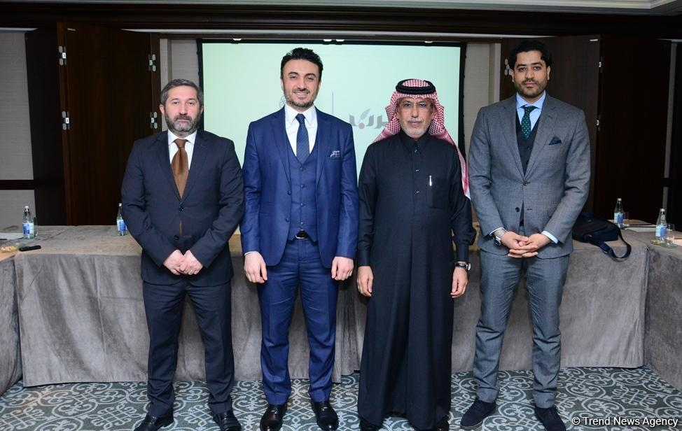 Azerbaijan signs deal to attract Arab investments, tourists (PHOTO)
