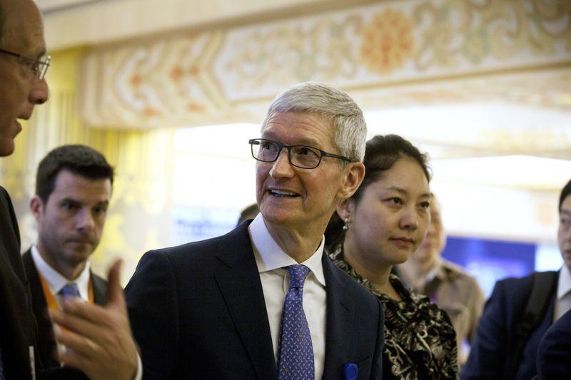 Tim Cook weighs in on Facebook data scandal, wants tougher privacy rules