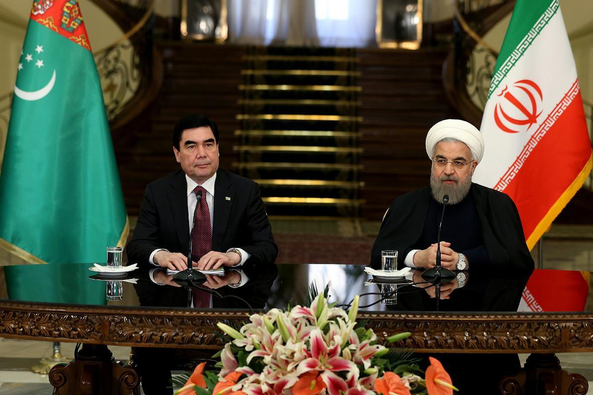 Iranian President Seeks to Enhance Ties During Turkmenistan Visit