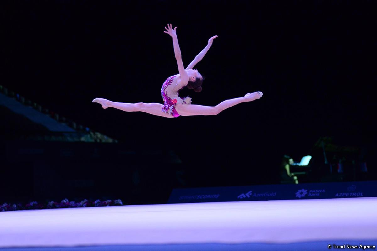 Лучшие моменты c Кубка мира по художественной гимнастике в Баку (ФОТОРЕПОРТАЖ)