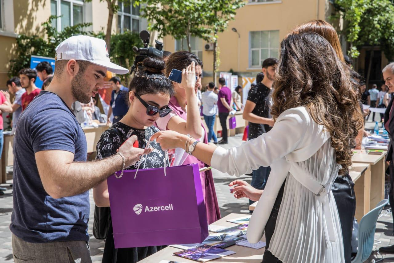 Azercell joins Career Fair with new vacancies (PHOTO)