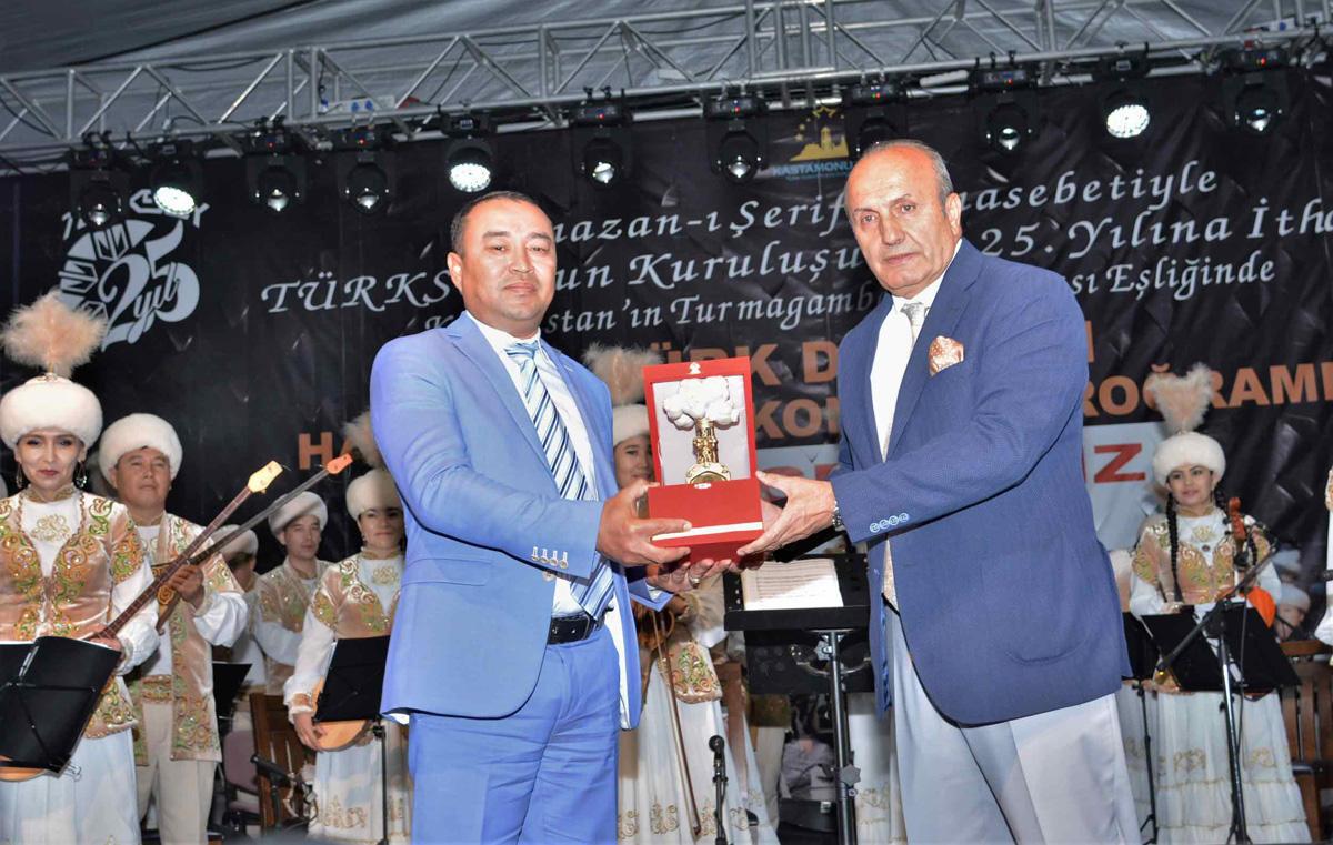 Türk Dünyası ezgileri tarihi Taşköprü'de yankılandı