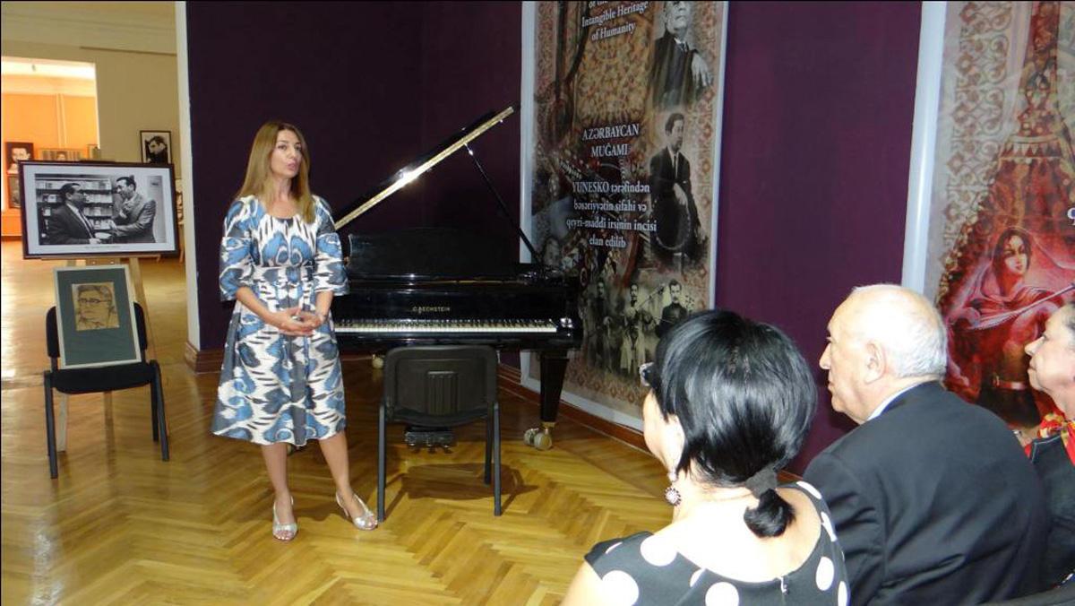 Музыка на холсте: портреты музыкантов в работах Таира Салахова (ФОТО)