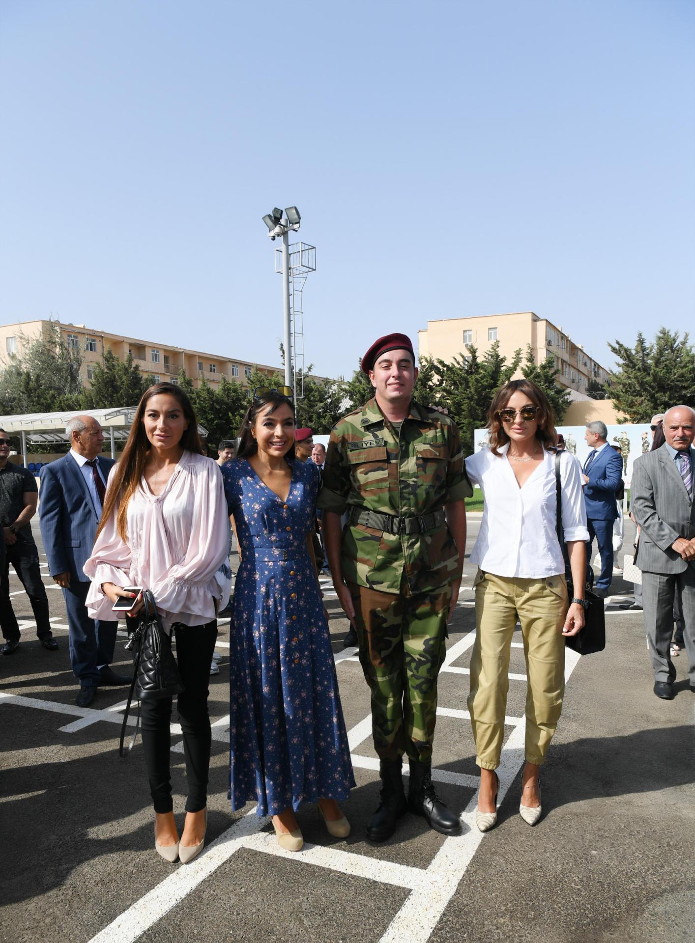 Президент Ильхам Алиев и Первая леди Мехрибан Алиева приняли участие в церемонии принятия присяги молодыми солдатами Службы государственной безопасности Азербайджана
