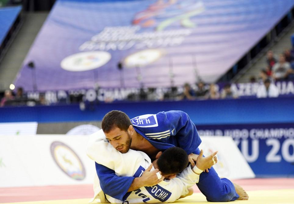 President Ilham Aliyev watched bronze medal bout of World Judo Championships (PHOTO)
