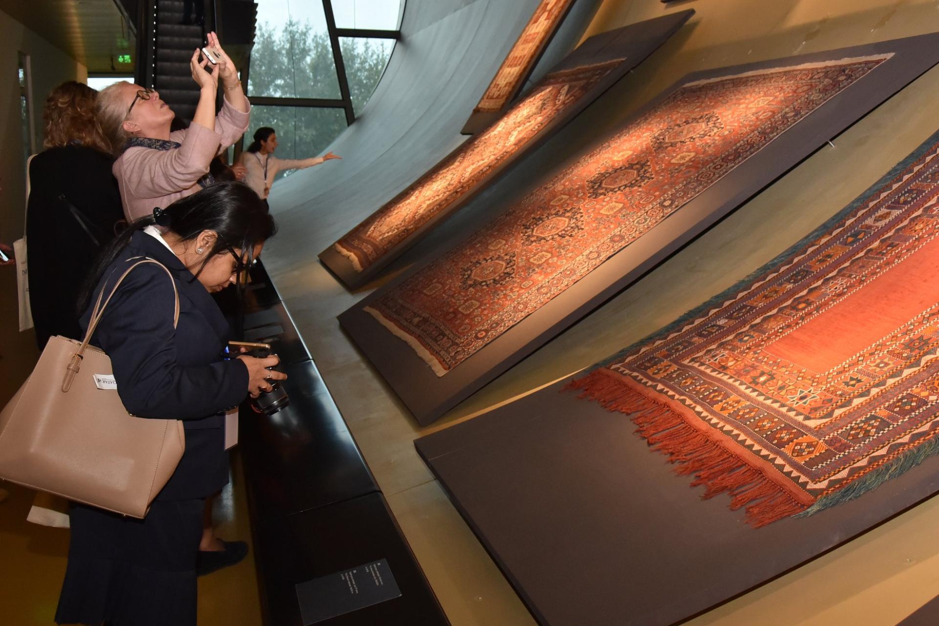 Хелена Кенигсмаркова: Азербайджанский музей ковра - музей моей мечты (ФОТО)