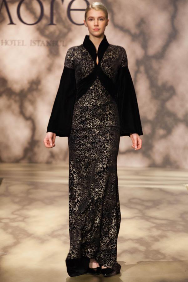 Красочные коллекции азербайджанской модельер-дизайнера очаровали Неделю моды в Стамбуле