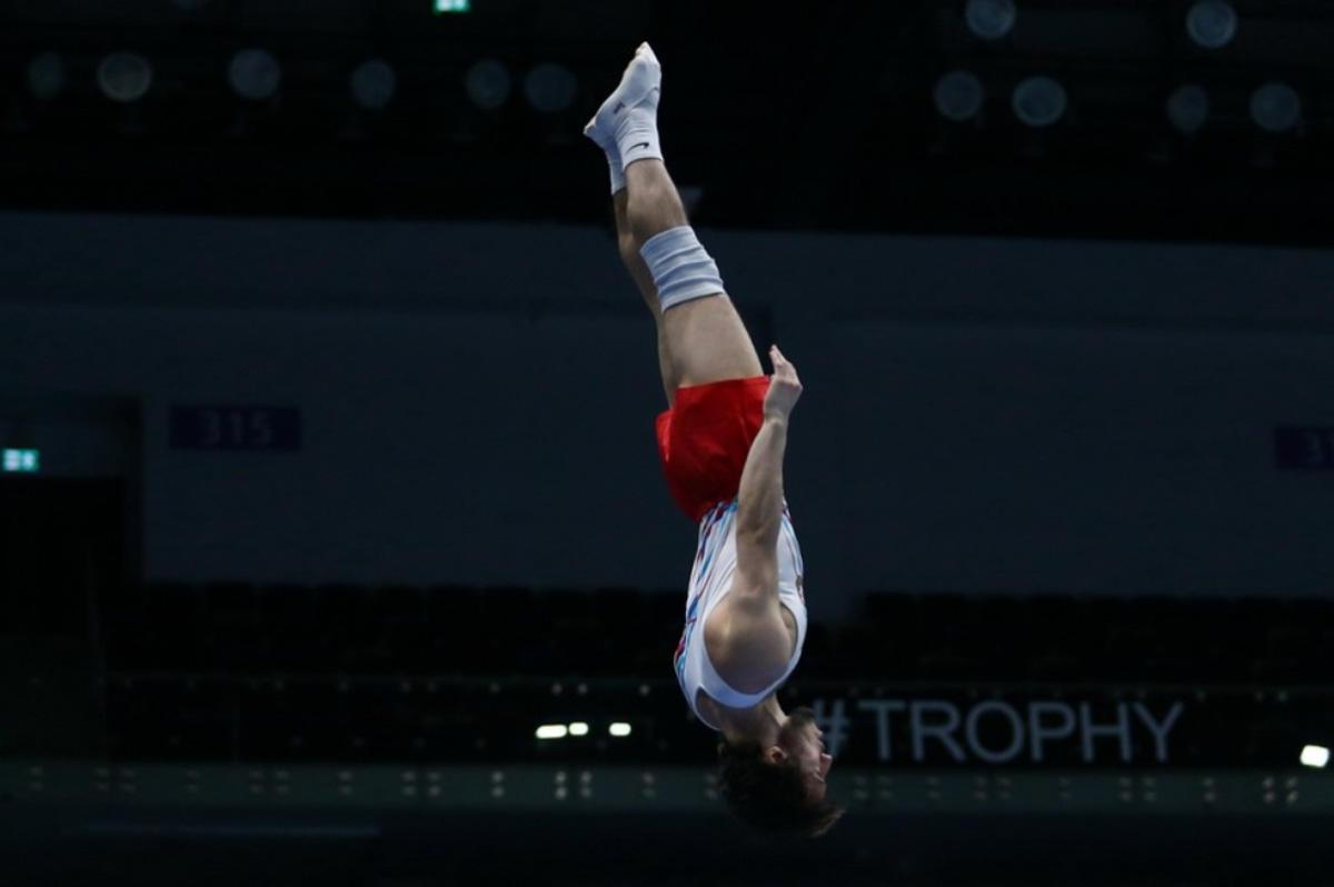 В Национальной арене гимнастики в Баку проходит контрольная тренировка Кубка мира по прыжкам на батуте и тамблингу (ФОТО)