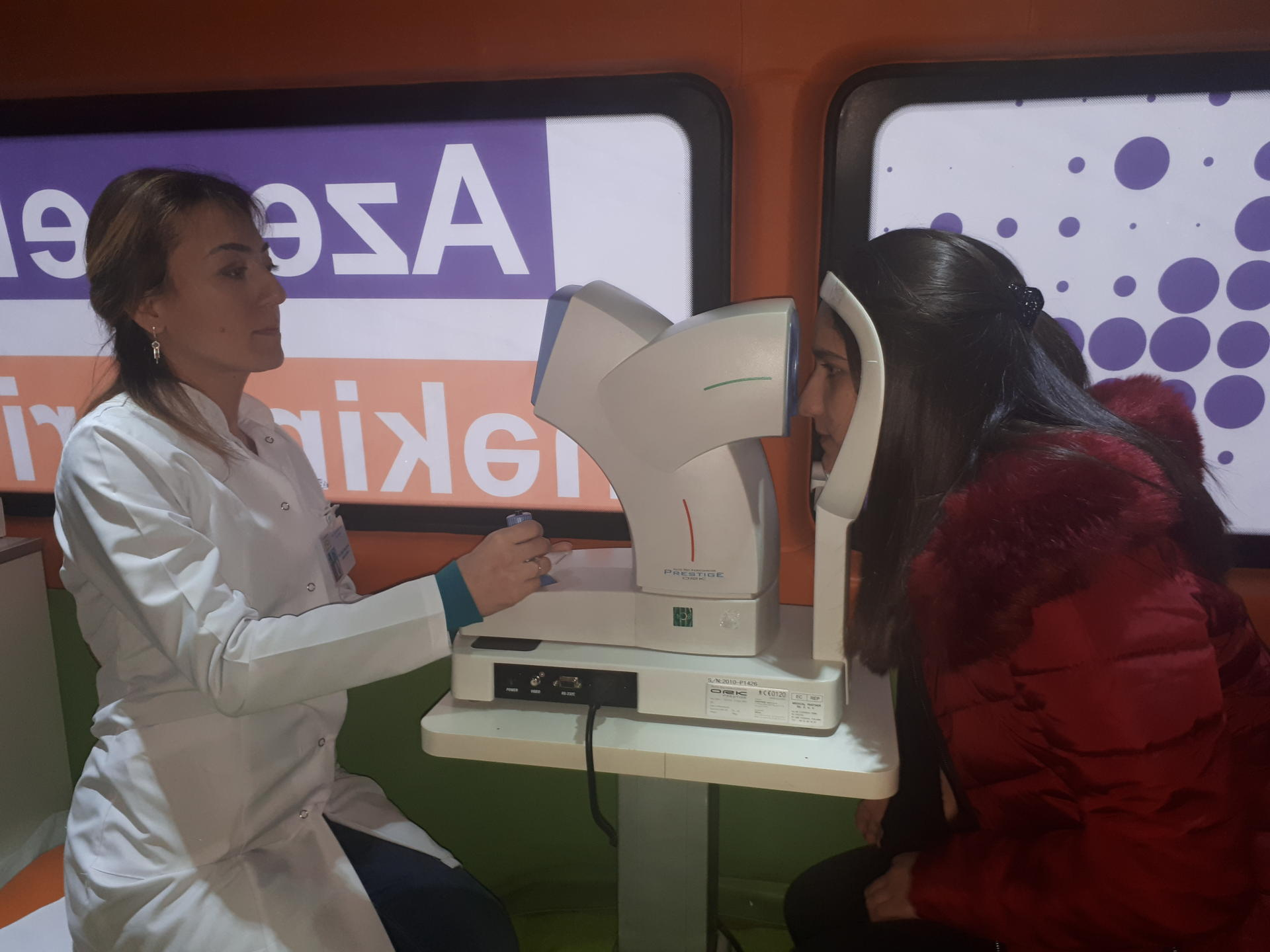 Azercell continues free eye examinations (PHOTO)