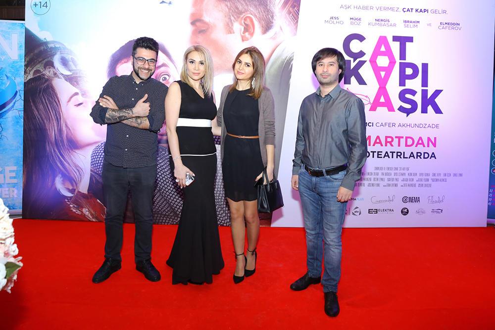 Турецкие красавицы в окружении азербайджанцев, или Потрескавшаяся любовь (ВИДЕО, ФОТО)