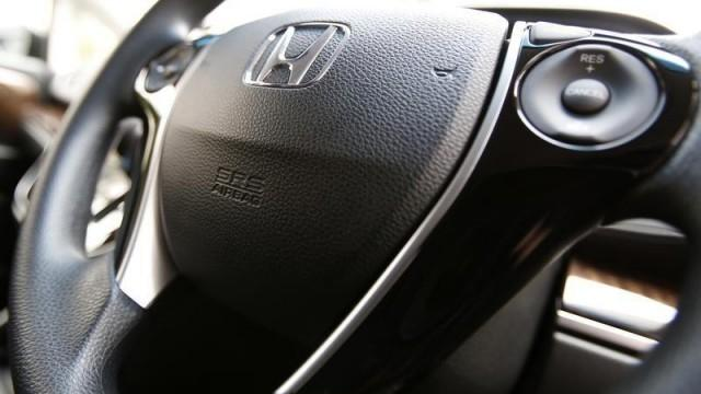 Faulty air bag parts prompt Honda to re-recall 1 million cars
