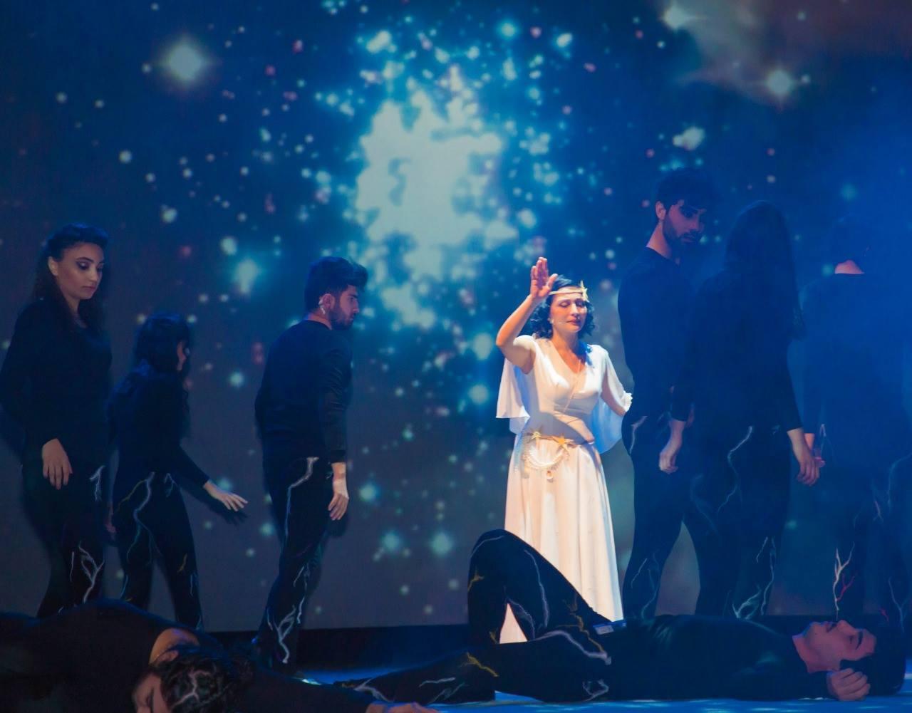 Семь чудес света, или Как разделенные соединились в одном Баку (ФОТО)