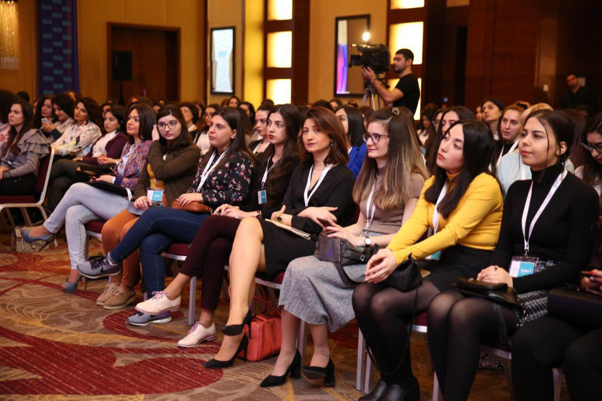 """Women at Hilton: Empowered by AmCham"" Conference takes place in Baku (PHOTO)"