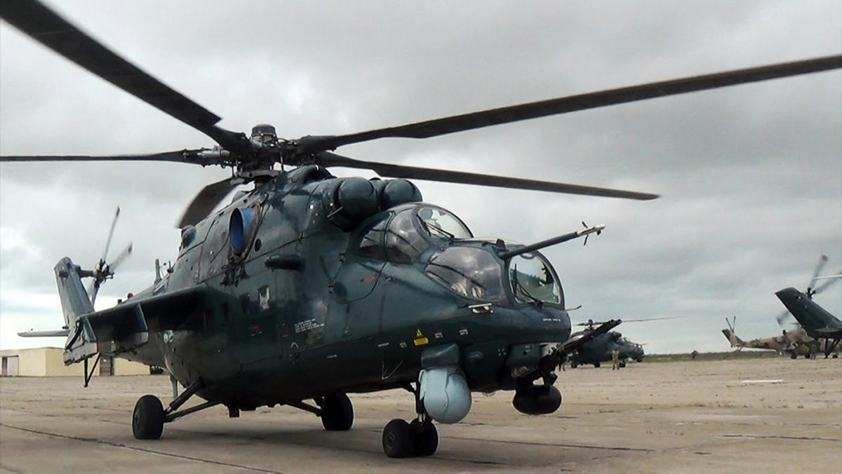 Azerbaijan's Air Force helicopter units hold flight-tactical training (PHOTO/VIDEO)