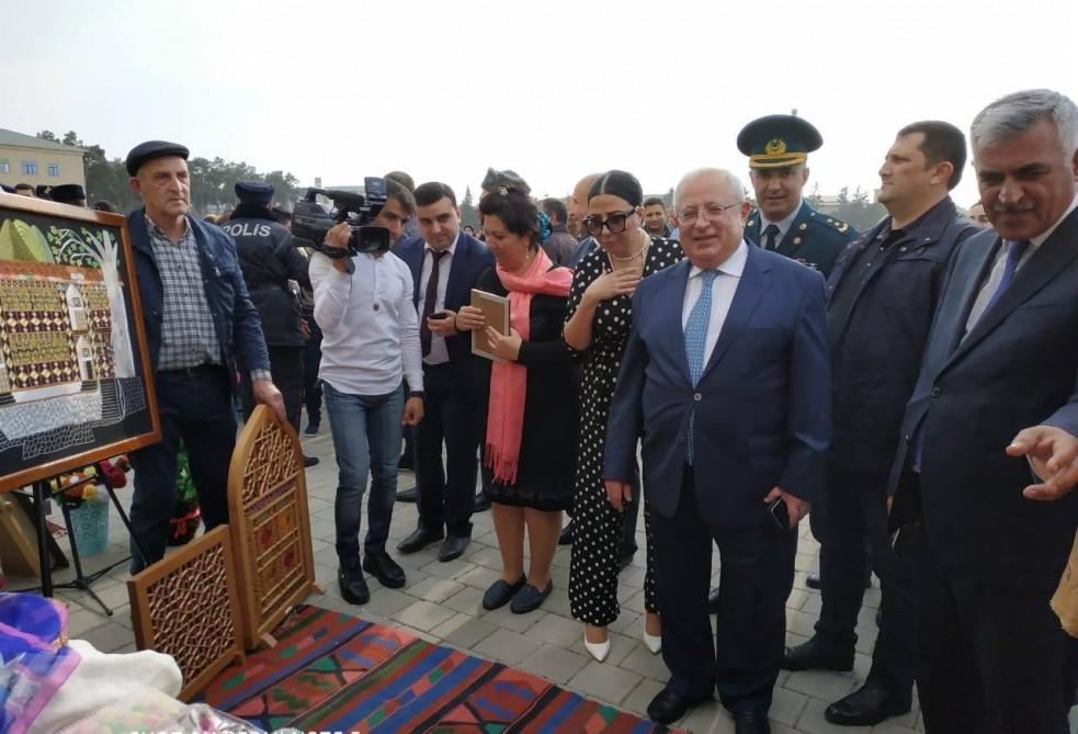 Азербайджанское искусство из гвоздей и нитей (ФОТО)