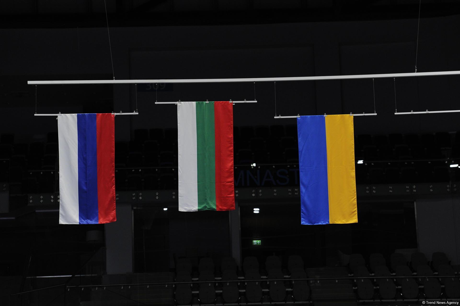 В Баку прошла церемония награждения команд в групповых упражнениях Кубка мира по художественной гимнастике (ФОТО)