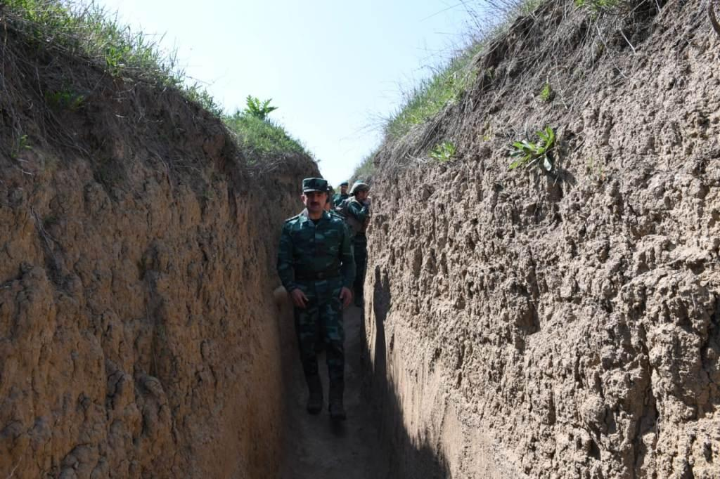 Head of Azerbaijani Border Service instructs to increase combat readiness on state border (PHOTO)