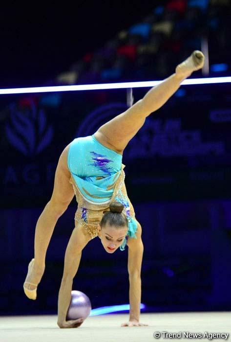 Bədii gimnastika üzrə 35-ci Avropa Çempionatının ikinci günündən maraqlı anlar (FOTO)