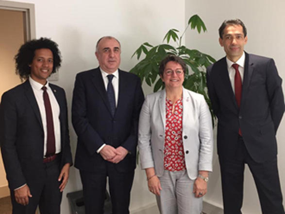Azerbaijani FM meets vice-president of National Assembly of France