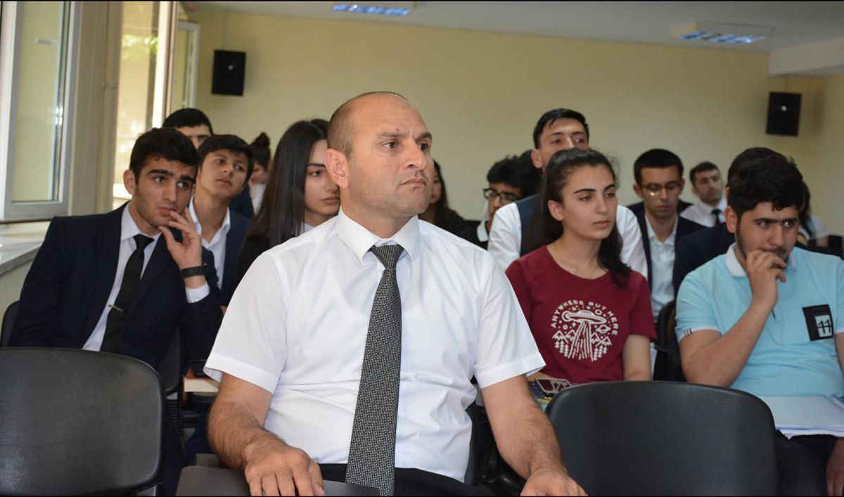 """Aİİ-də """"Quran mətni islahatçılıq qaynağı kimi"""" mövzusunda seminar keçirilib (FOTO)"""