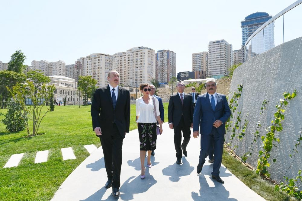 Azerbaijani president, first lady attend opening of garden and Central Park in Baku (PHOTO)