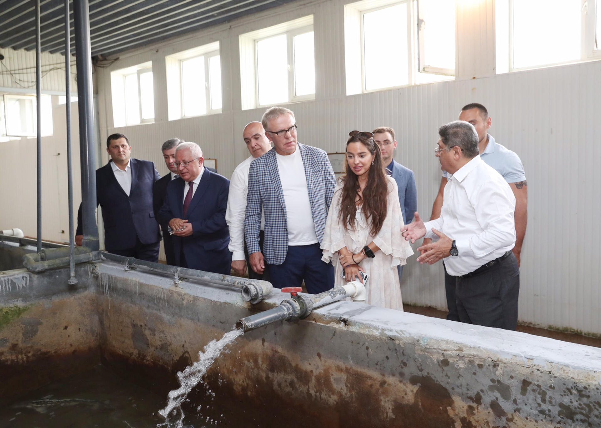 Heydar Aliyev Foundation VP attends ceremony to release sturgeon fry grown in Neftchala into Caspian (PHOTO)