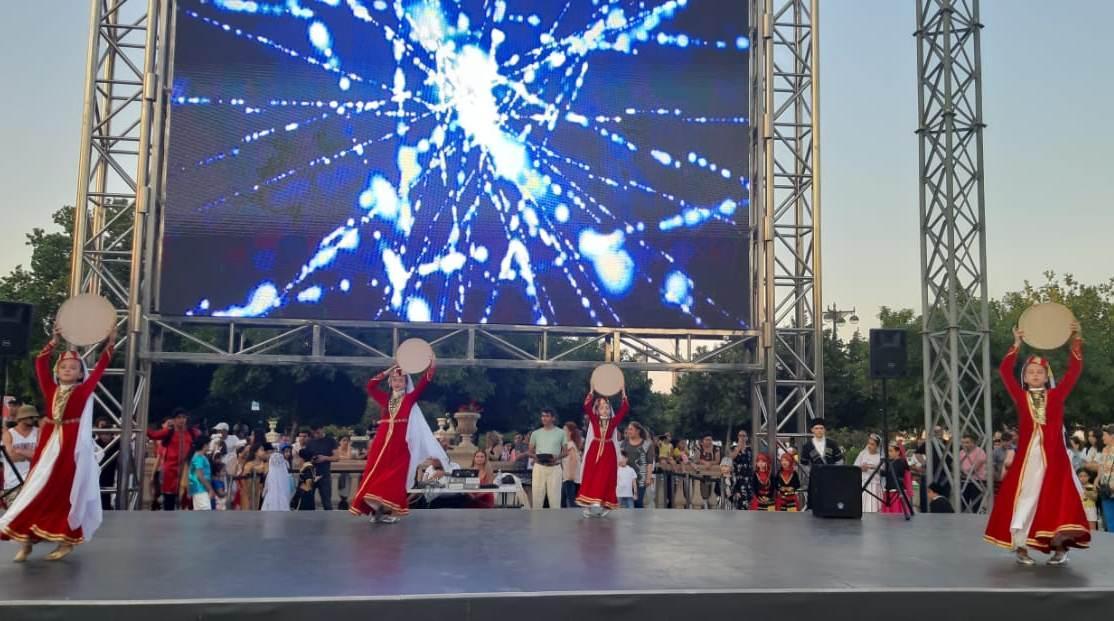 Танцующий Бакинский бульвар - под ритмы международного праздника Soul of Art and Dance (ФОТО)